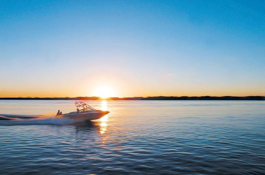 <strong>Airboat tour</strong>        Navegável, o lago Kissimmee, ao sul de Orlando, é habitat para várias espécies de aves, peixes e, é claro, alligators - os famosos jacarés que vivem nos campos alagados da Flórida