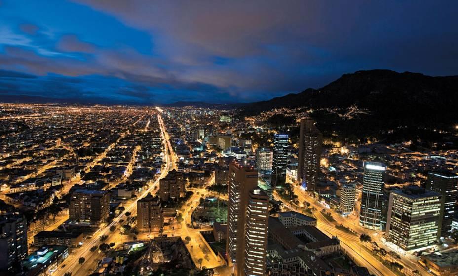 <strong>Bogotá</strong> já foi sinônimo do pior da Colômbia: sequestros-relâmpago, tráfico de drogas, guerrilha, miséria. Hoje, a capital talvez seja a vitrine mais vistosa de uma reviravolta política, econômica e de segurança