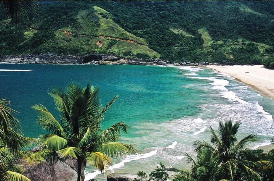 Depois de uma trilha de cerca de 4 horas, o visitante chega à <strong>Praia do Bonete</strong>; recomenda-se usar repelente para mosquitos