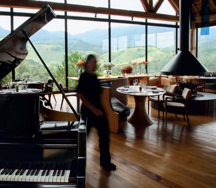 Luxo no piano e na vista do Mina, no Botanique, em Campos do Jordão