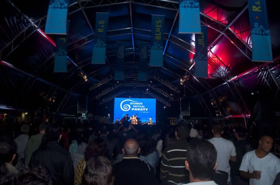 Cerca de 25 mil pessoas vão conferir as atrações internacionais e nacionais do festival