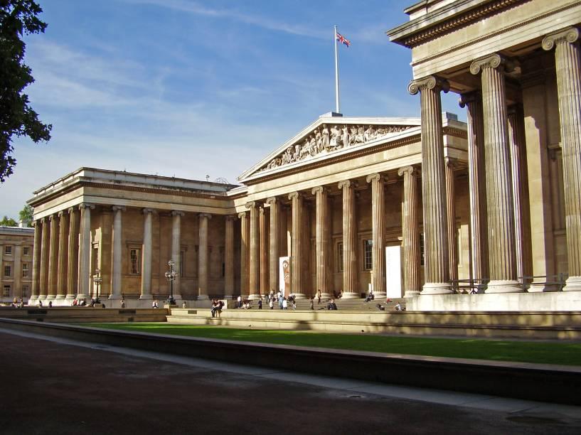 O British Museum possui uma vasta coleção de objetos e artefatos arqueológicos e históricos