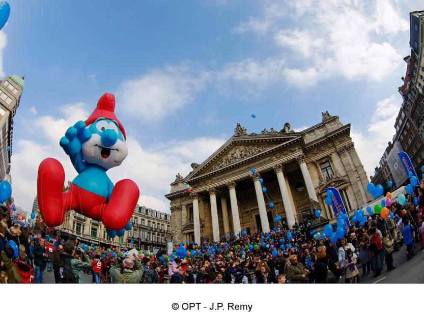 O dia da Parada dos Balões de Bruxelas traz personagens do mundo dos quadrinhos tão amados pelos belgas. Os Smurfs (<em>Les Schtroumpfs</em>, no original em francês), são uma criação do belga Peyo
