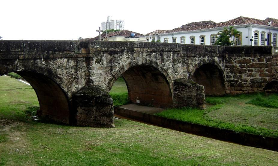 """<strong><a href=""""http://viajeaqui.abril.com.br/cidades/br-mg-sao-joao-del-rei"""" rel=""""16. São João Del Rei (MG)"""" target=""""_self"""">16. São João Del Rei (MG)</a></strong>                        São João del Rei é marcada por casas no estilo colonial e ruas de pedra que lembram em tudo as cidades mais graciosas de <a href=""""http://viajeaqui.abril.com.br/paises/portugal"""" rel=""""Portugal"""" target=""""_self"""">Portugal</a>"""