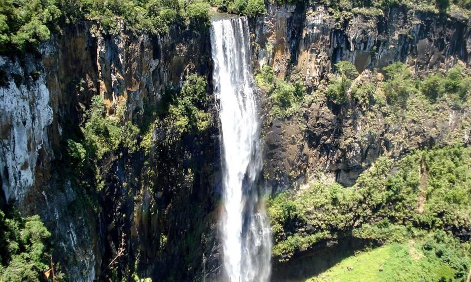 <strong>7. Prudentópolis(PR)</strong>                                        As cachoeiras são os principais atrativos naturais do lugar: há mais de 100 delas, e algumas quedas têm mais de cem metros de altura