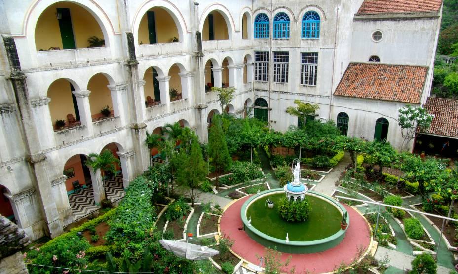 """<strong><a href=""""http://viajeaqui.abril.com.br/cidades/br-ce-guaramiranga"""" rel=""""19. Guaramiranga (CE)"""" target=""""_self"""">19. Guaramiranga (CE)</a></strong>                A cidade é uma boa pedida para turistas que desejam fugir do calor e do agito dos destinos mais famosos do Nordeste"""