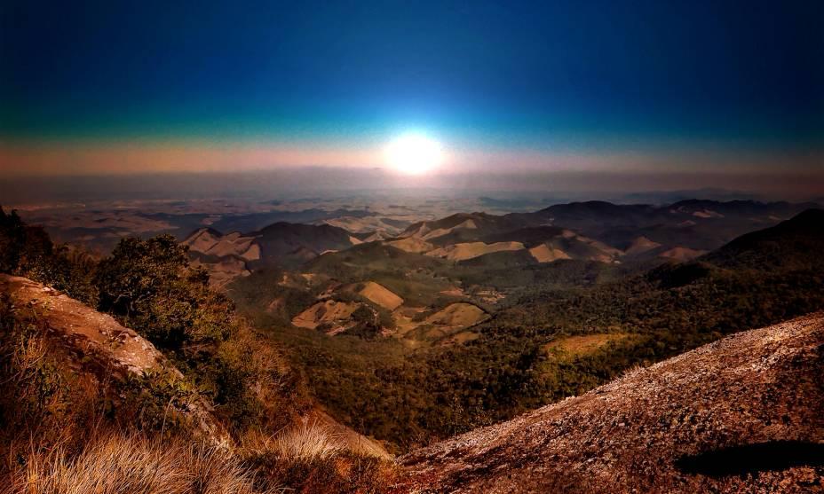 """<strong><a href=""""http://viajeaqui.abril.com.br/cidades/br-mg-monte-verde"""" rel=""""12. Monte Verde (MG)"""" target=""""_self"""">12. Monte Verde (MG)</a></strong>                                Pousadas charmosas, com vista para a Serra da Mantiqueira, aliadas ao friozinho constante, colocam a cidade entre as favoritas de casais apaixonados, com ótimos programas para fazer de mãos dadas"""