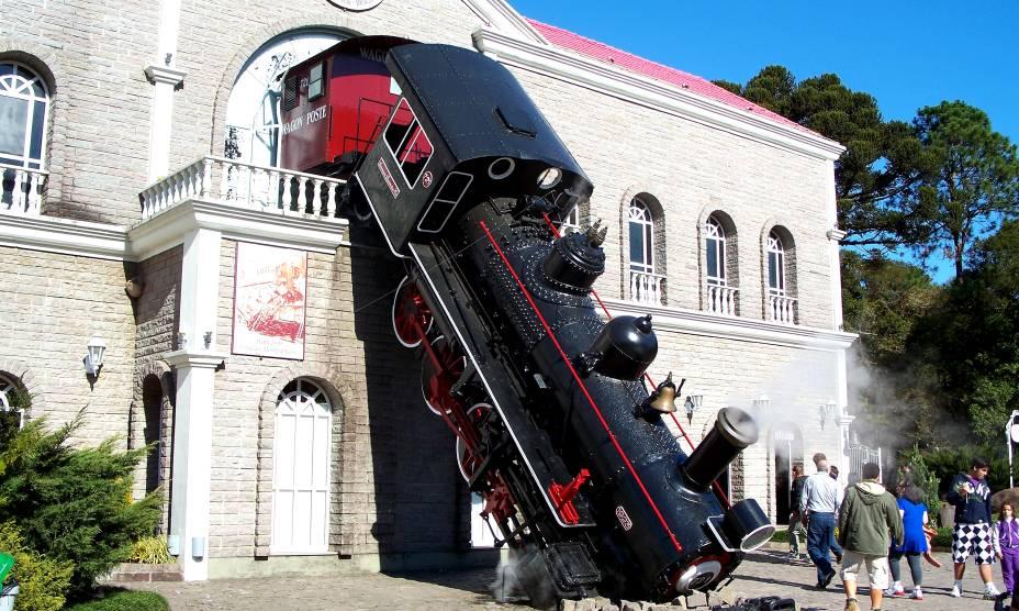 """<a href=""""http://viajeaqui.abril.com.br/cidades/br-rs-canela"""" rel=""""2. Canela(RS)"""" target=""""_self""""><strong>3. Canela (RS)</strong></a>        Aqui, a ótima gastronomia divide a atenção com boas atrações, como o museu <strong><a href=""""http://viajeaqui.abril.com.br/estabelecimentos/br-rs-canela-atracao-mundo-a-vapor"""" rel=""""Mundo a Vapor"""" target=""""_self"""">Mundo a Vapor</a></strong> (foto)"""