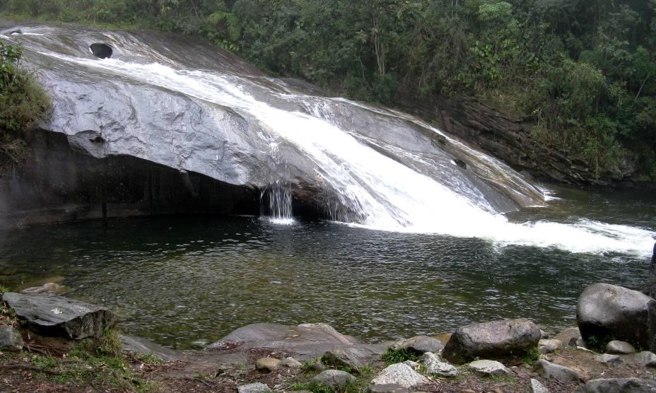 """<strong><a href=""""http://viajeaqui.abril.com.br/cidades/br-rj-visconde-de-maua"""" rel=""""15. Visconde de Mauá (RJ)"""" target=""""_self"""">15. Visconde de Mauá (RJ)</a></strong>                        De clima bastante ameno, a cidadezinha alivia o calor do verão carioca com suas cachoeiras de água limpa e gelada"""