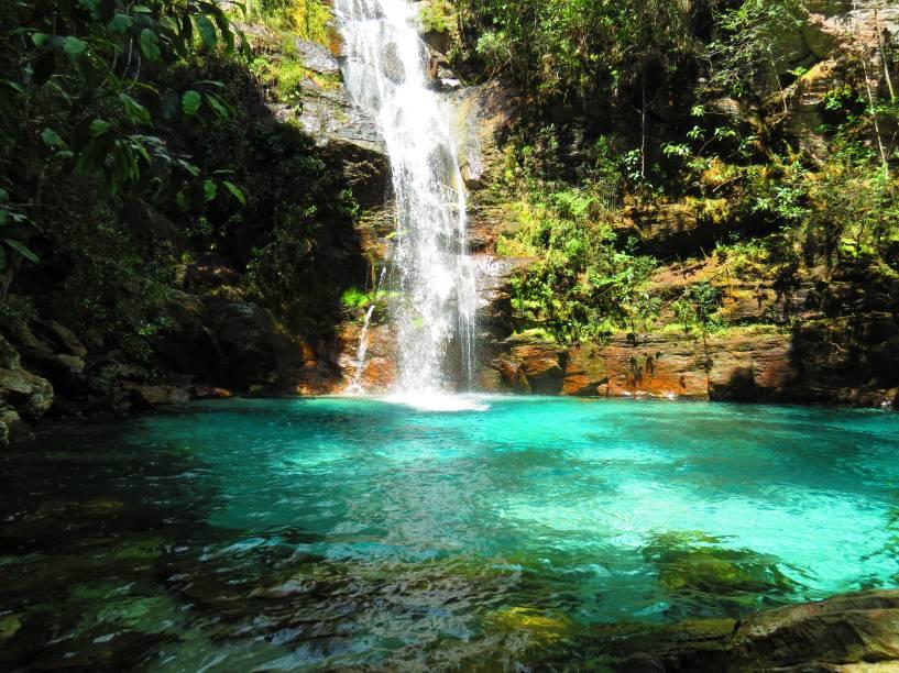 """<a href=""""http://viajeaqui.abril.com.br/cidades/br-go-chapada-dos-veadeiros"""" rel=""""Chapada dos Veadeiros"""" target=""""_blank""""><strong>Chapada dos Veadeiros</strong></a>    As águas transparentes fazem da Cachoeira de Santa Bárbara uma das mais lindas da Chapada dos Veadeiros – e olha que são muitas na concorrência!"""