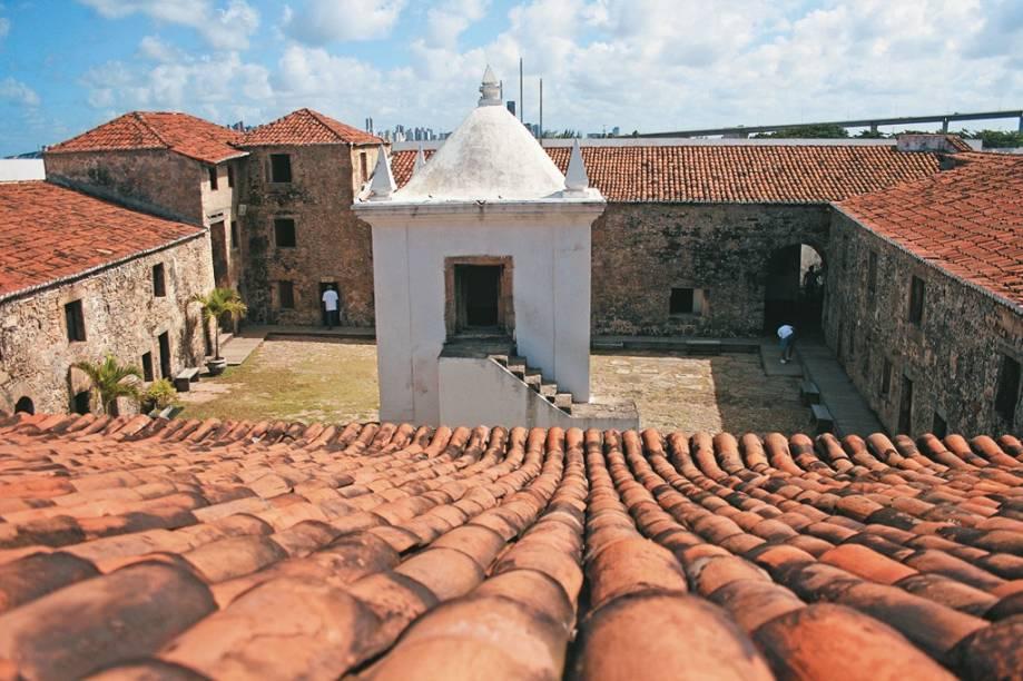 O Forte dos Reis Magos abriga o Marco de Touros, de 1501, considerado o mais antigo documento histórico do Brasil (a peça teria sido o primeiro marco da posse da Coroa portuguesa no país).