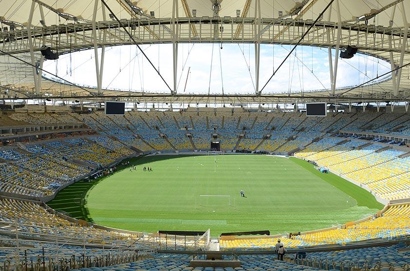 O Maracanã, um dos símbolos da história do futebol brasileiro, foi inaugurado em 1950. Foi ali que Pelé marcou o milésimo gol de sua carreira, em 1969.