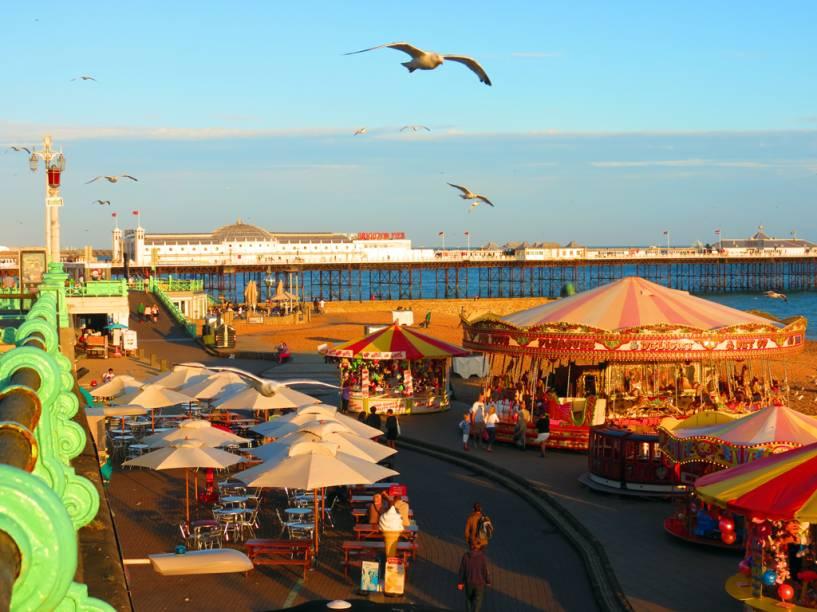 """Orla da praia de <a href=""""http://viajeaqui.abril.com.br/cidades/reino-unido-brighton"""" rel=""""Brighton"""" target=""""_self"""">Brighton</a>, <a href=""""http://viajeaqui.abril.com.br/paises/reino-unido"""" rel=""""Reino Unido"""" target=""""_self"""">Reino Unido</a>"""