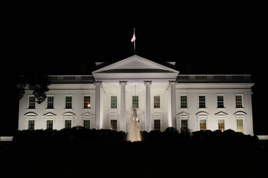 A fachada clássica da Casa Branca, residência oficial dos presidentes dos Estados Unidos da América