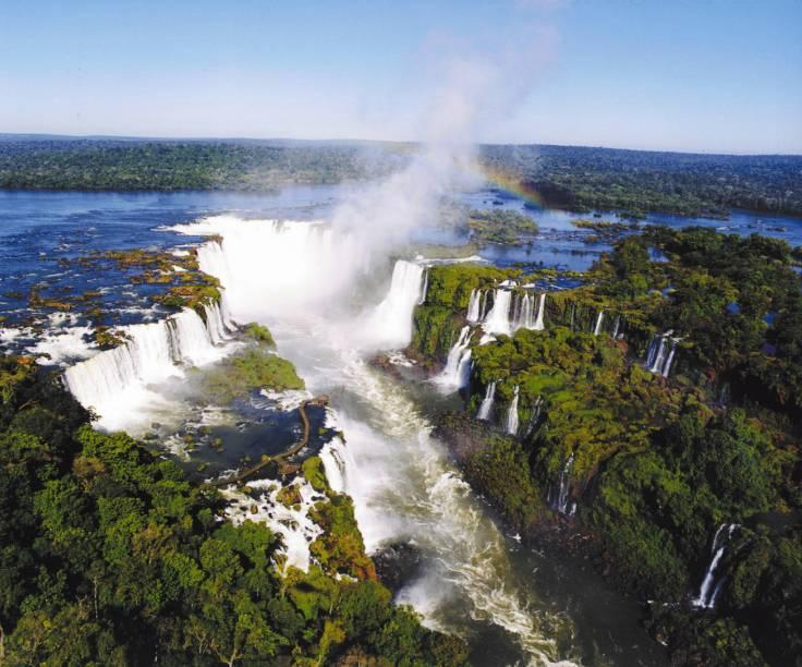 """As Cataratas da <a href=""""http://viajeaqui.abril.com.br/cidades/br-pr-foz-do-iguacu"""">Foz do Iguaçu</a>, Paraná e Argentina"""