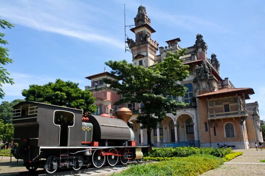 O Espaço Catavento está instalado no antigo Palácio das Indústrias, que também foi sede da prefeitura de São Paulo