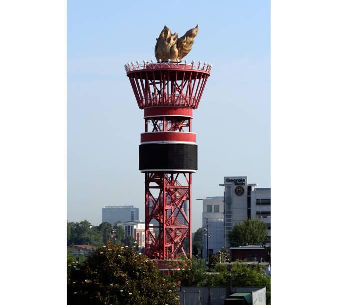 """<strong>23. Atlanta, <a href=""""http://viajeaqui.abril.com.br/paises/estados-unidos"""" target=""""_blank"""" rel=""""noopener"""">Estados Unidos</a>, 1996</strong> Nas Olimpíadas de 1996, uma torre em forma de tocha olímpica (que também era o símbolo desta edição do evento) foi construída para ser um monumento histórico na cidade"""
