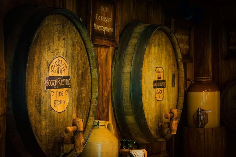 Girdle Fine Ale, Sackville Cider, Oak Barton Ale e Southfathing Ginger Ale... bebida é o que não falta na taverna
