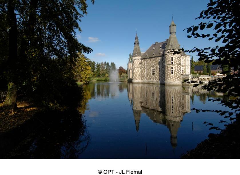 A história do Chateau de Jehay, em Liege, remonta ao século 15 e é um agradável passeio na região de Liège