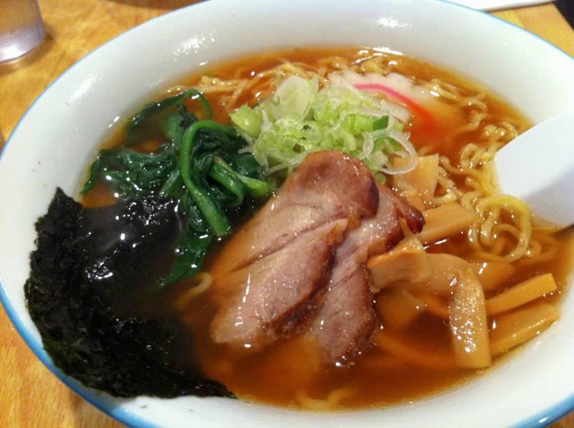 O misso ramen (ou lamen) é um macarrão chinês acompanhado de um grosso caldo de pasta de soja. O mais famoso de todos é o de Sapporo, capital da província de Hokkaido, no norte do Japão