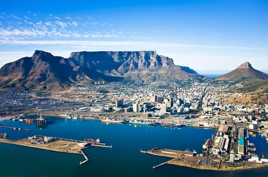"<strong><a href=""http://viajeaqui.abril.com.br/cidades/africa-do-sul-cidade-do-cabo"" rel=""Cidade do Cabo"" target=""_blank"">Cidade do Cabo</a> - <a href=""http://viajeaqui.abril.com.br/paises/africa-do-sul"" rel=""África do Sul"" target=""_blank"">África do Sul</a> </strong>"