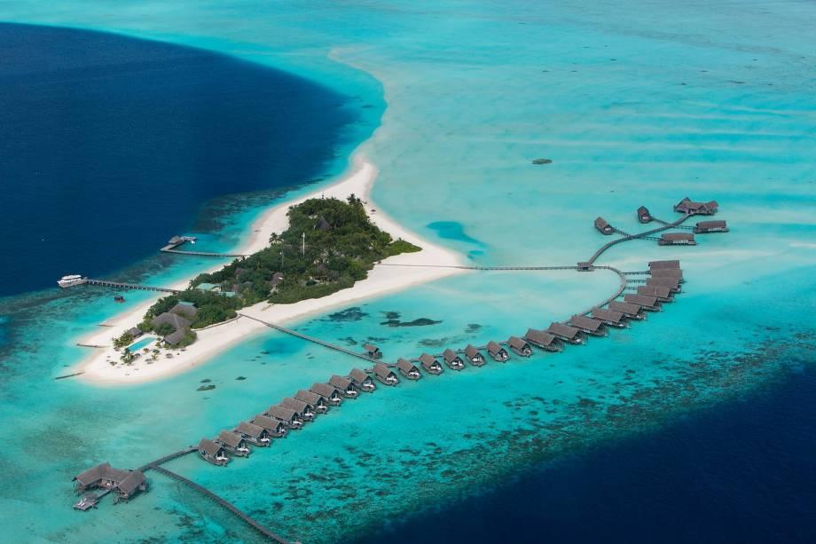 """<strong>6. Cocoa Island by COMO, Kaafu Atoll, <a href=""""http://viajeaqui.abril.com.br/paises/maldivas/fotos"""" rel=""""Maldivas"""">Maldivas</a></strong>Outro vencedor nas Ilhas Maldivas, fica na minúscula Ilha Cocoa e tem quartos luxuosos em bangalôs sobre a água.Mês mais barato para se hospedar: Setembro"""