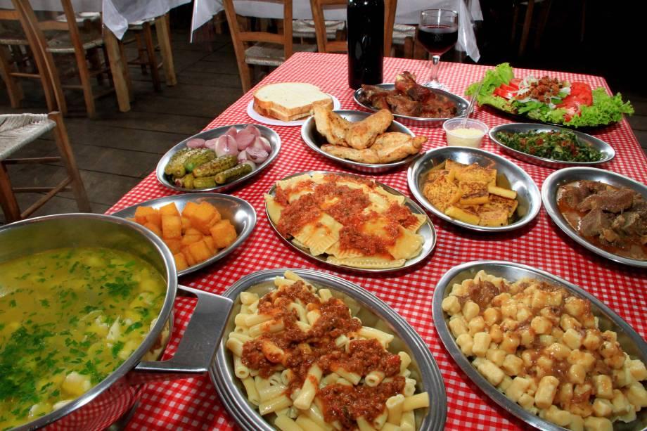 Um dos atrativos da festa são os pratos típicos italianos