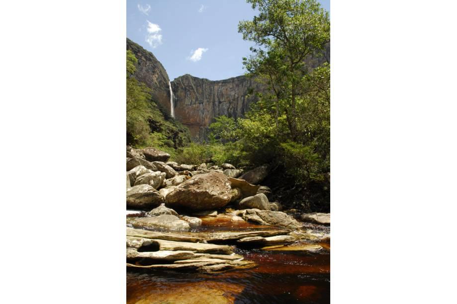 Com 273 m, a Cachoeira do Tabuleiro é a terceira maior do Brasil e fica no distrito de Itacolom, Conceição do Mato Dentro, Minas Gerais