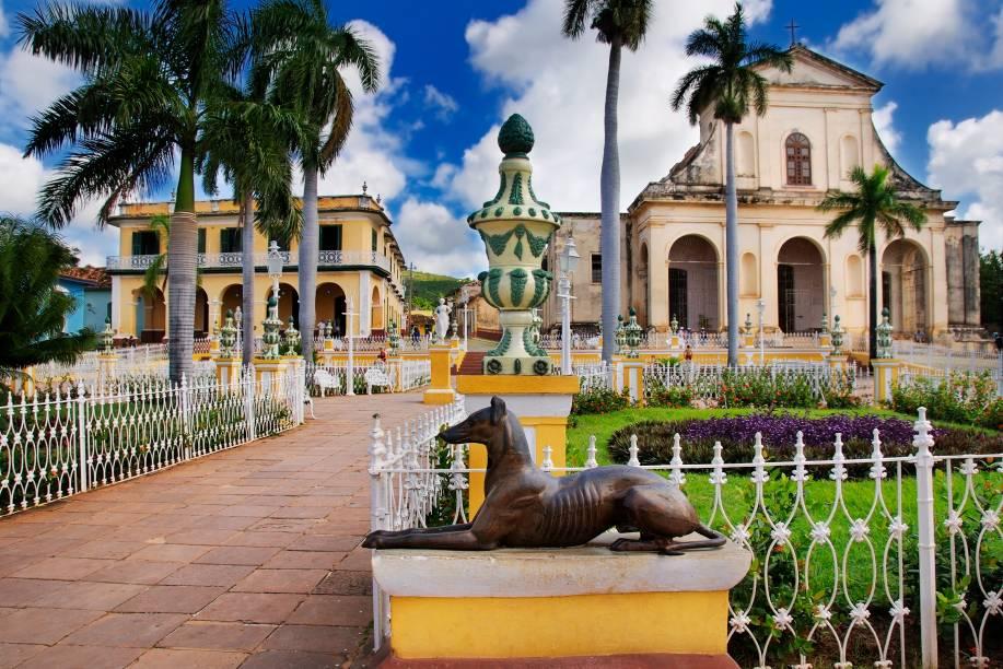 Praça principal de Trinidad, em Cuba, joia colonial tombada pela Unesco desde 1988
