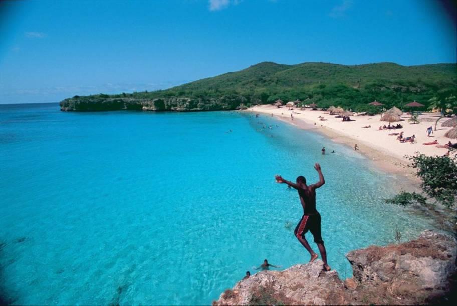 A maioria das praias de Curaçao está na costa sudoeste, calma e com pouquíssimas ondas