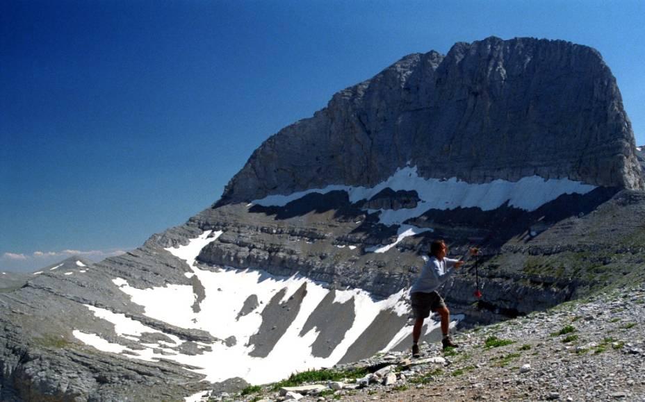 """<strong>Monte Olimpo, <a href=""""http://viajeaqui.abril.com.br/paises/grecia"""" rel=""""Grécia"""" target=""""_blank"""">Grécia</a></strong>Lar do deuses, trono de Zeus. Por séculos a sagrada montanha do Olimpo foi o centro da mitologia helênica. Hoje, porém, atrai milhares de montanhistas em busca de paisagens estonteantes e paredões desafiadores"""