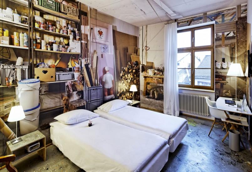 4. Um dos quartos do hotel Der Teufelhof