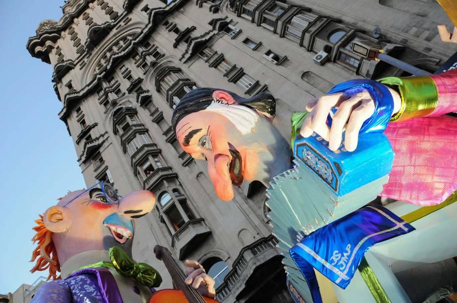 Diego Battiste fotografou Montevidéu no Carnaval e inscreveu a foto <em>Desfile de Carnaval</em>