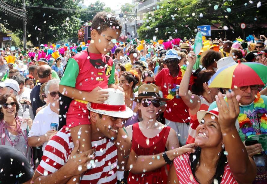 Desfile do bloco Suvaco de Cristo leva milhares de foliões no Carnaval no Centro do Rio de Janeiro, em 2015