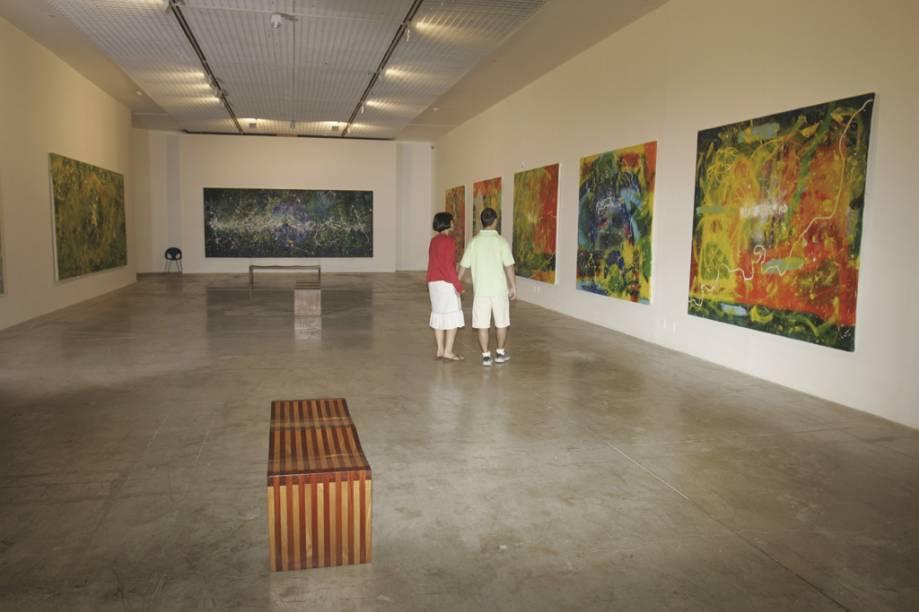Os apreciadores de arte podem visitar as cinco galerias que compõem a Caixa Cultural, localizada no Setor Bancário Sul
