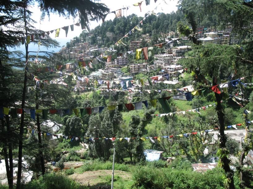 <strong>3. Mcleod Ganj</strong>                O pequeno distrito da cidade de Dharamsala, é, na verdade, um pedaço do Tibet dentro da Índia. Após a tomada do Tibet pela China, os refugiados instauraram ali o Governo Tibetano no Exílio. A cidadezinha também abrigo o templo onde vive o Dalai Lama
