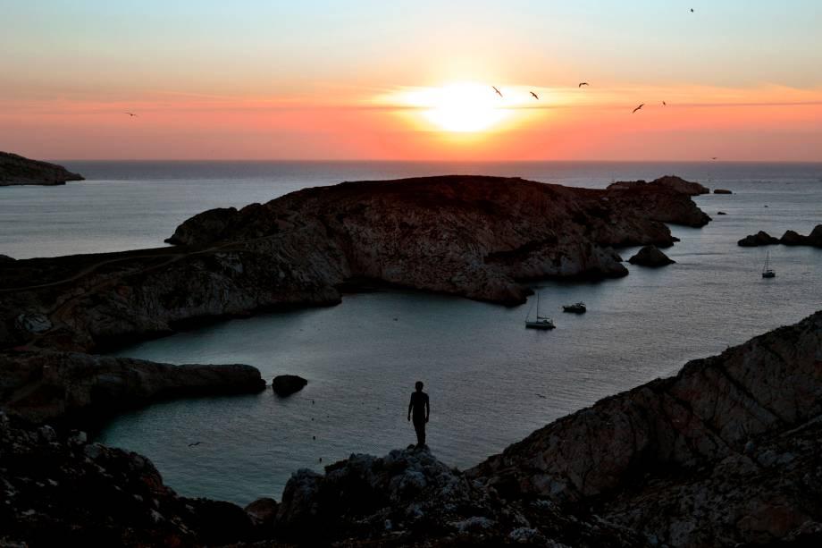 """Por do sol em <a href=""""http://viajeaqui.abril.com.br/cidades/franca-marselha/"""" rel=""""Marselha"""">Marselha</a>, na França"""