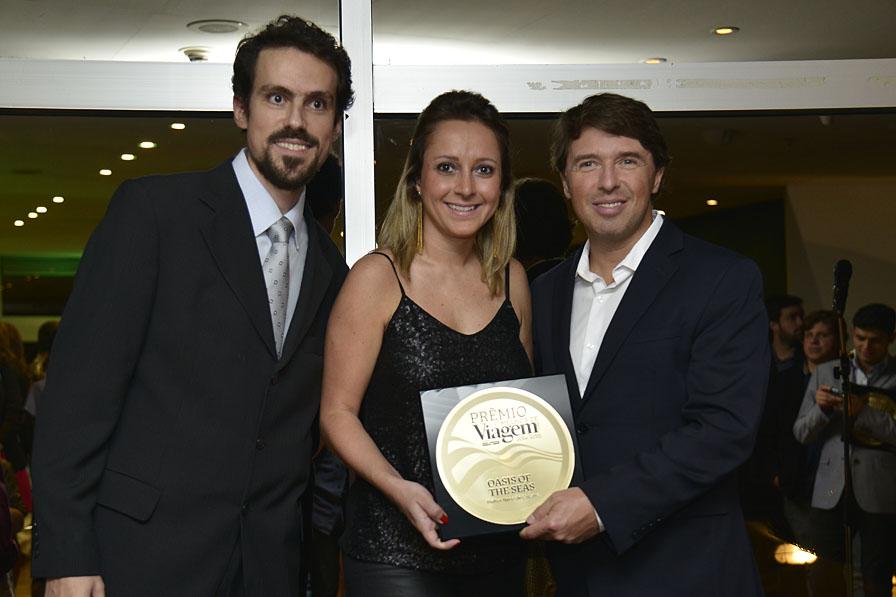 O Oasis of the Seas foi eleito o Melhor Navio de Cruzeiro. Receberam o prêmio Fernanda Dominicis e Ricardo Amaral, presidente da Royal Caribbean - Oasis of the Seas
