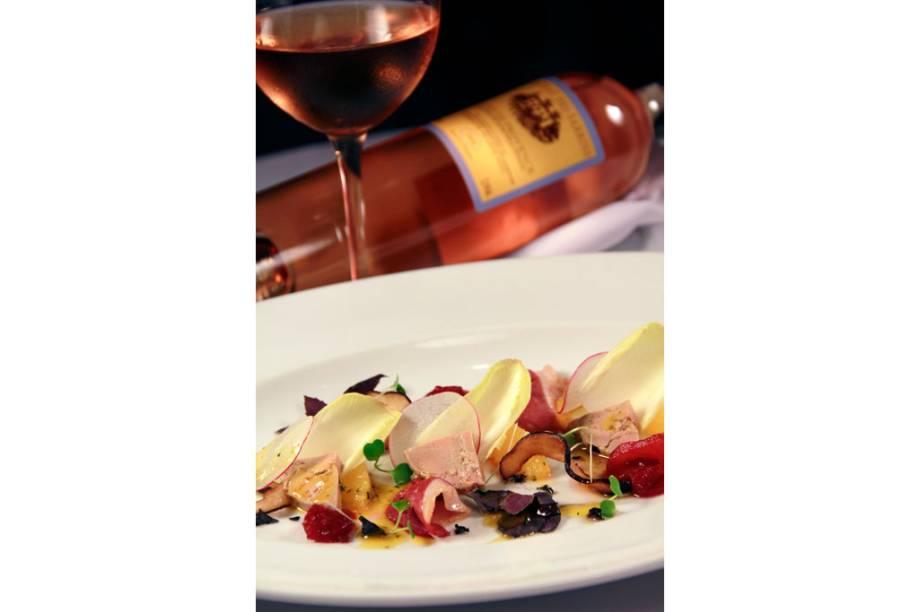 Prato do chef Claude Troisgros, do Olympe: salada de pato