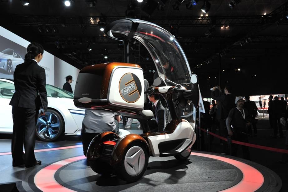 Além das características relacionadas a poluição e eficiência energética, o E-Canopy da Honda também traz conceitos de segurança para o piloto e melhor dirigibilidade
