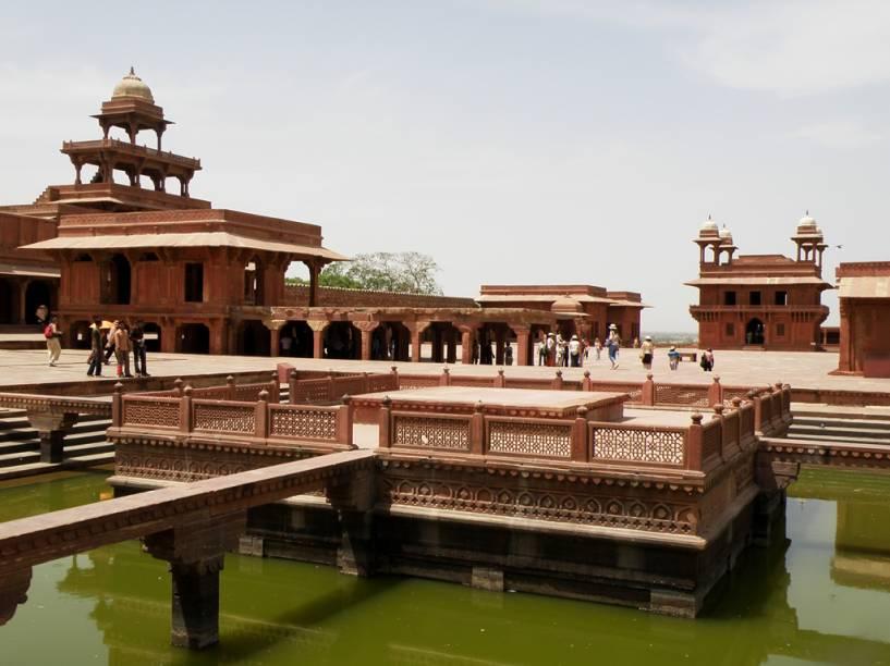 A cidadela de Fatehpur Sikri, localizada próxima a Agra, é um dos muitos monumentos da humanidade localizados na Índia