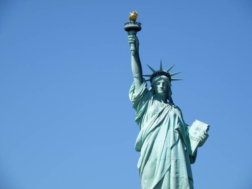 A Estátua da Liberdade, um dos pontos mais visitados de Nova York, está fechado para reformas e deve ser reaberto em outubro de 2012. O objetivo é melhorar a segurança dos visitantes, com novos elevadores e a manutenção da escada espiral