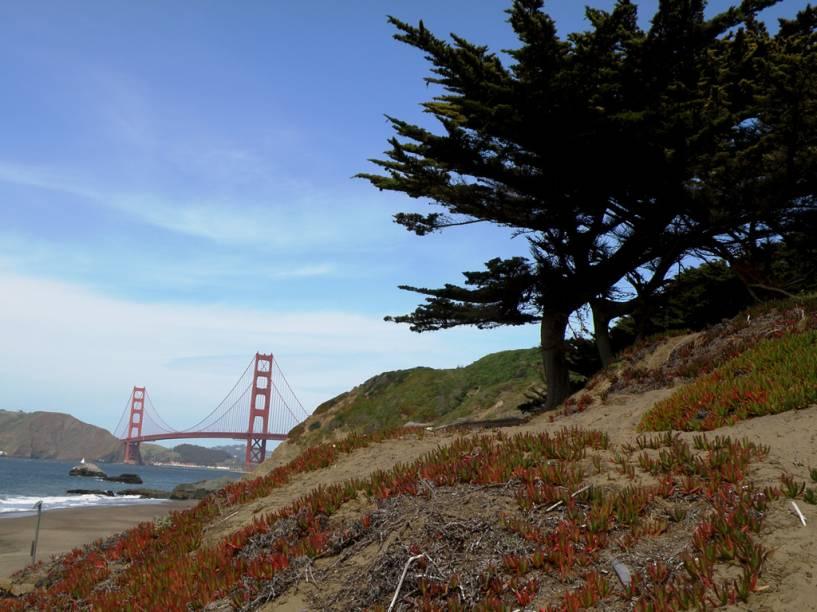 A Baker Beach, em San Francisco, é uma das praias mais visitadas da cidade. O seu grande atrativo está na visão privilegiada que oferece da icônica Golden Gate Bridge