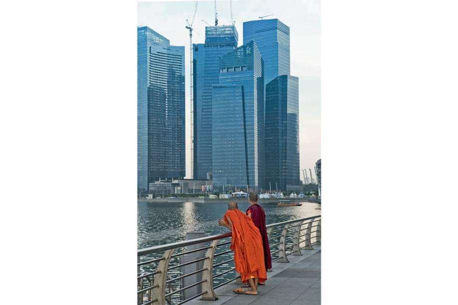 Um skyline digno de devoção na Baía de Cingapura