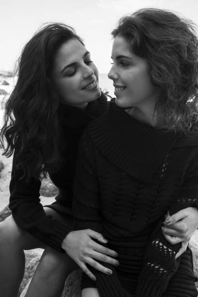 A atriz e cantora Emanuelle Araujo (à esquerda) com sua filha Bruna