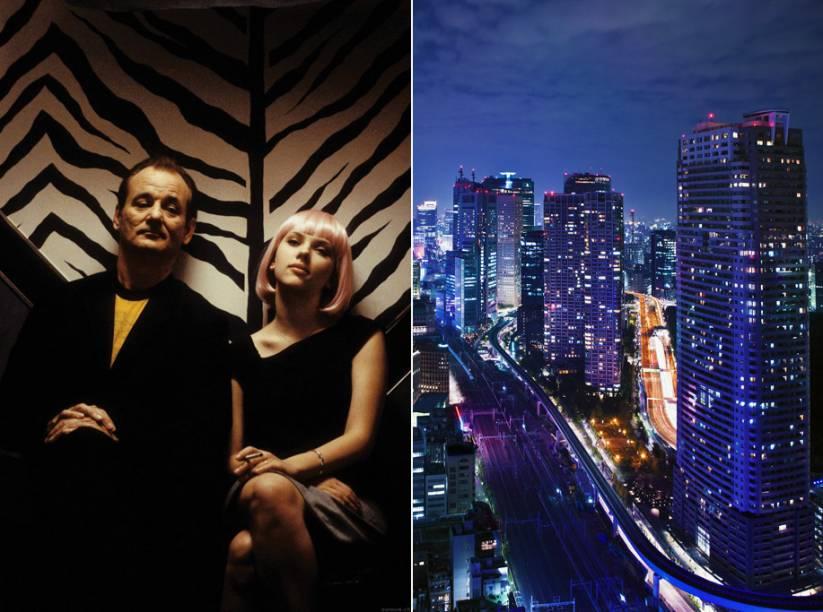 """<strong>Encontros e Desencontros <a href=""""http://viajeaqui.abril.com.br/cidades/japao-toquio"""" rel=""""(Tóquio, Japão)"""">(Tóquio, Japão)</a></strong><br />      A capital japonesa é o cenário do filme escrito e dirigido por Sofia Coppola. Delicado e sutil, ele discute o choque cultural que sentem pessoas deslocadas, não apenas numa terra estrangeira, mas também dentro si mesmas. O longa-metragem foi filmado em grande parte no <strong>Hotel Park Hyatt Tokyo</strong>, no distrito de <strong>Shinjuku</strong>. O bar do hotel, por exemplo, um dos ambientes em que o ator decadente Bob Harris (Bill Murray) e a recém-casada Charlotte (Scarlett Johansson) se aproximam, se chama New York e fica no 52º andar. E o karaokê (à esq.) onde os dois cantam está no coração do distrito de <strong>Shibuya</strong>"""