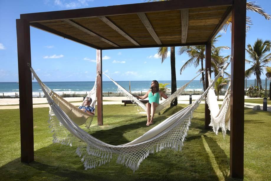 """<a href=""""http://viajeaqui.abril.com.br/estabelecimentos/br-pe-porto-de-galinhas-hospedagem-enotel-resort-spa"""" rel=""""Enotel Resort & Spa"""" target=""""_blank""""><strong>Enotel Convention & Spa</strong></a>        Com boate, shows temáticos, áreas de descanso à beira-mar, fitness e business center, o público frequente do Enotel Resort & Spa envolve desde executivos que buscam um centro de reuniões a casais e famílias a procura de um lugar para desfrutar das férias. Desde 2014, os hóspedes têm livre acesso à área de lazer do Enotel Acqua Club."""