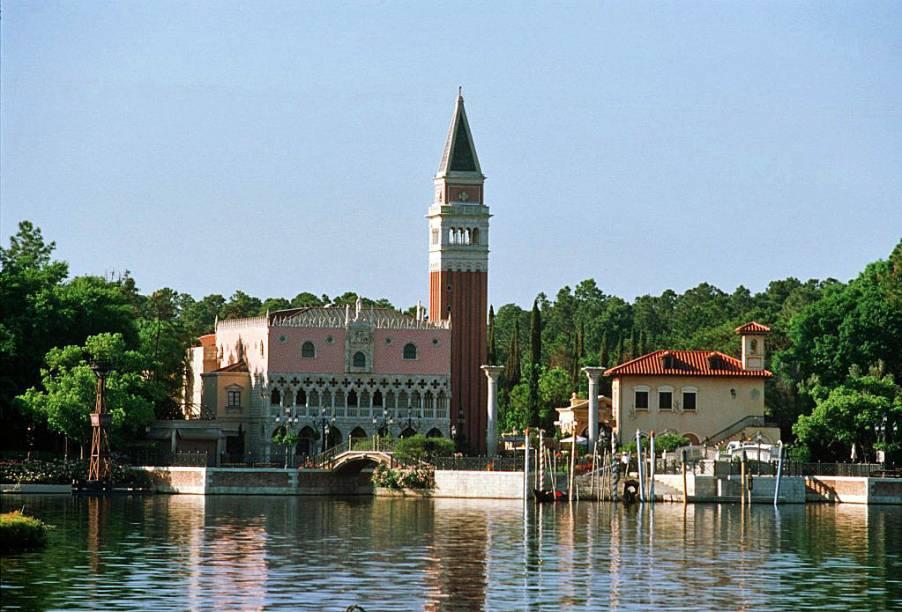 O World Showcase do Epcot Center reproduz paisagens famosas mundo afora, como a Piazza San Marco de Veneza