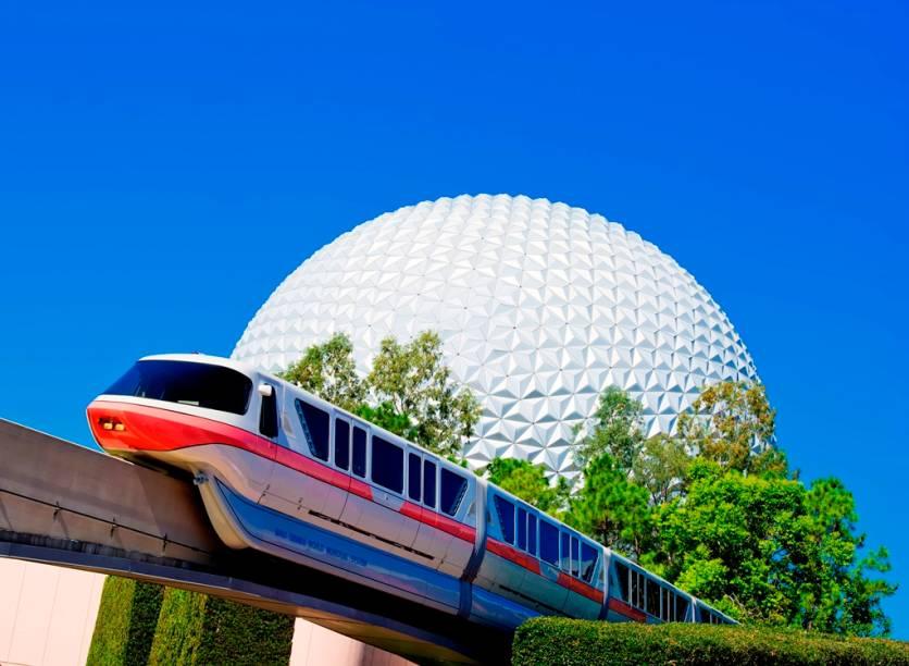 O símbolo do Epcot Center, a esfera do Spaceship Earth