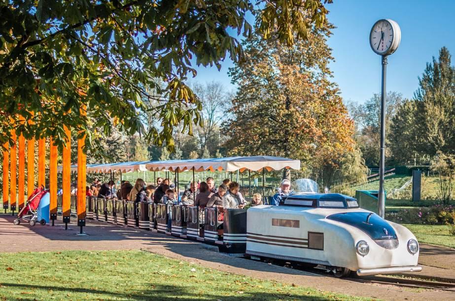 Trenzinho no Amstelpark, em Amsterdã - o playoground é ideal para ir com crianças